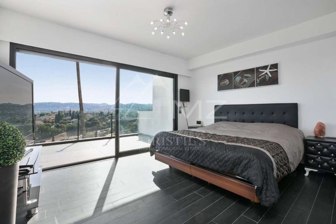 Antibes - Remarkable contemporary villa - photo10