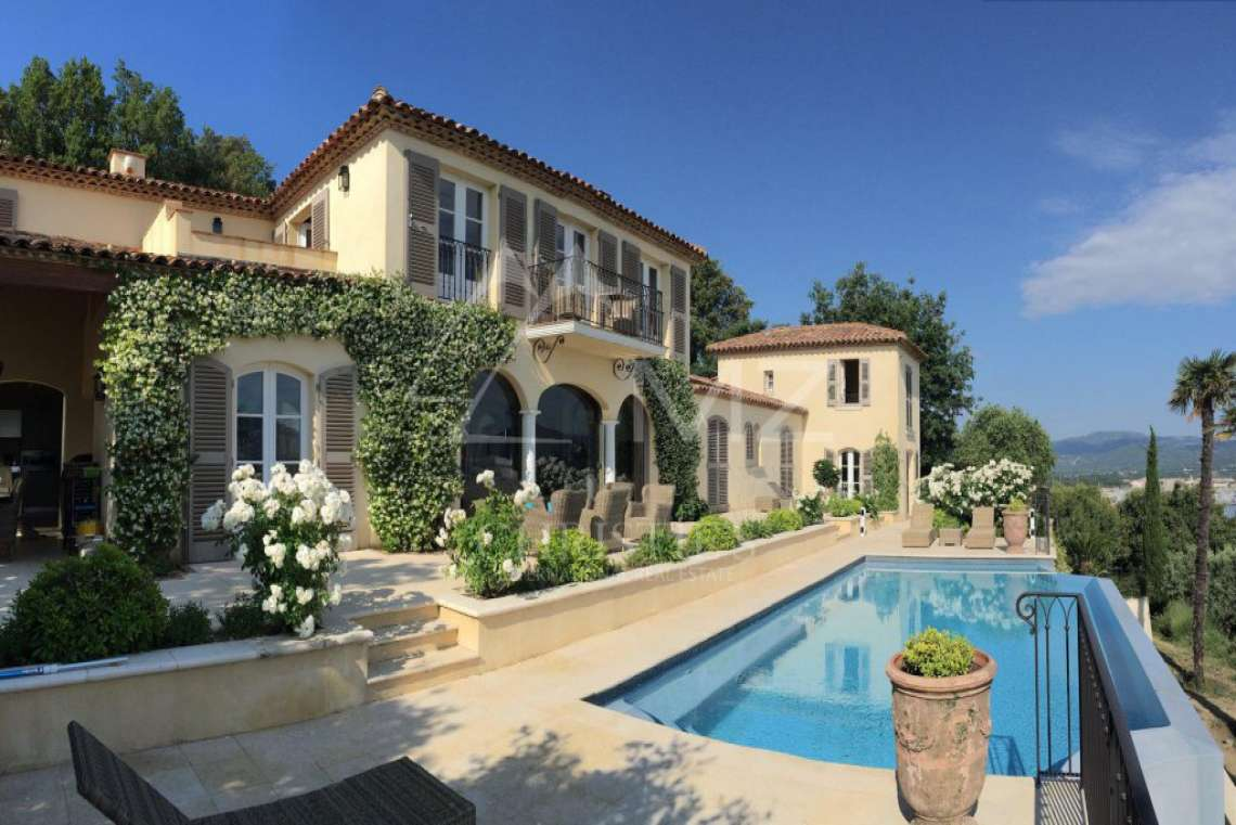 Close to Saint-Tropez - Splendid neo-provencal villa with sea view - photo2