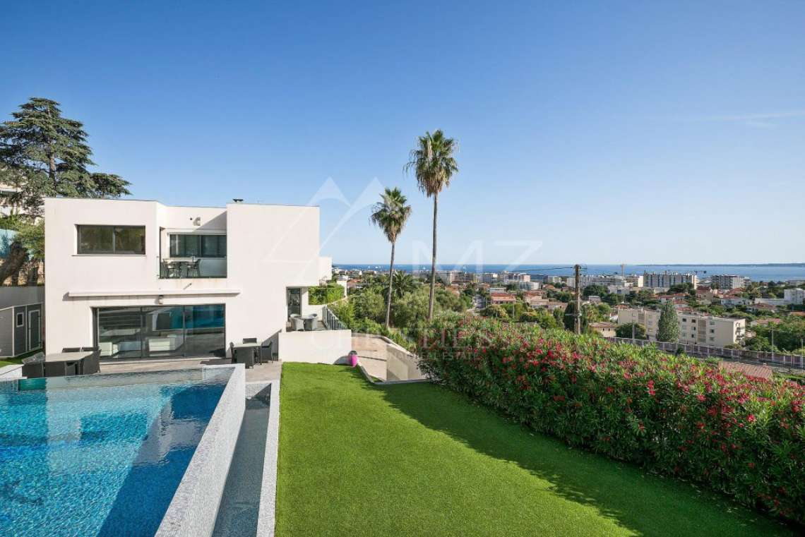 Antibes - Remarkable contemporary villa - photo8