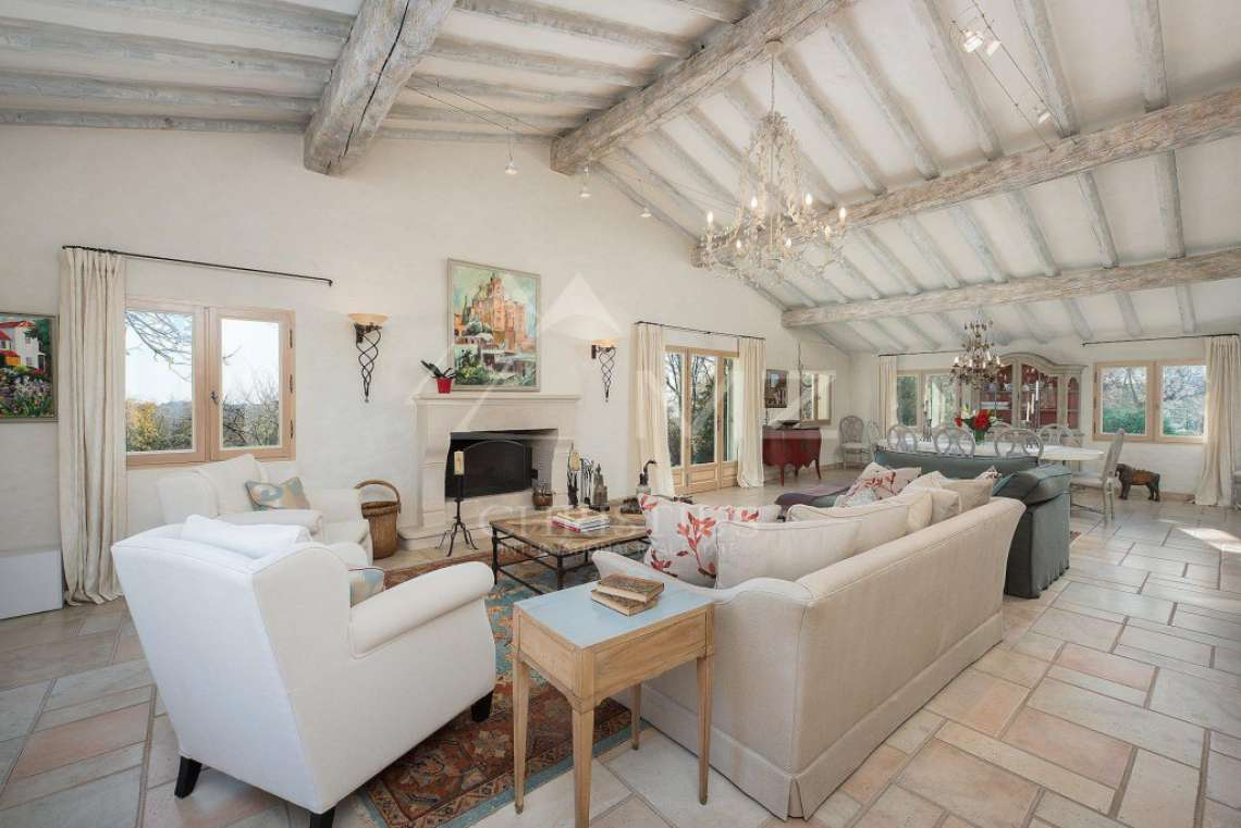 Cannes backcountry - Superbe property in calm environment with pool - photo16