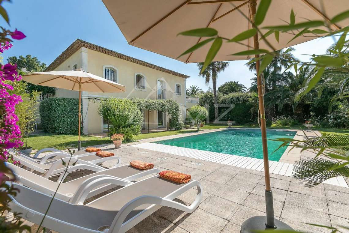 Close to Saint-Tropez -  Property with two houses - photo2