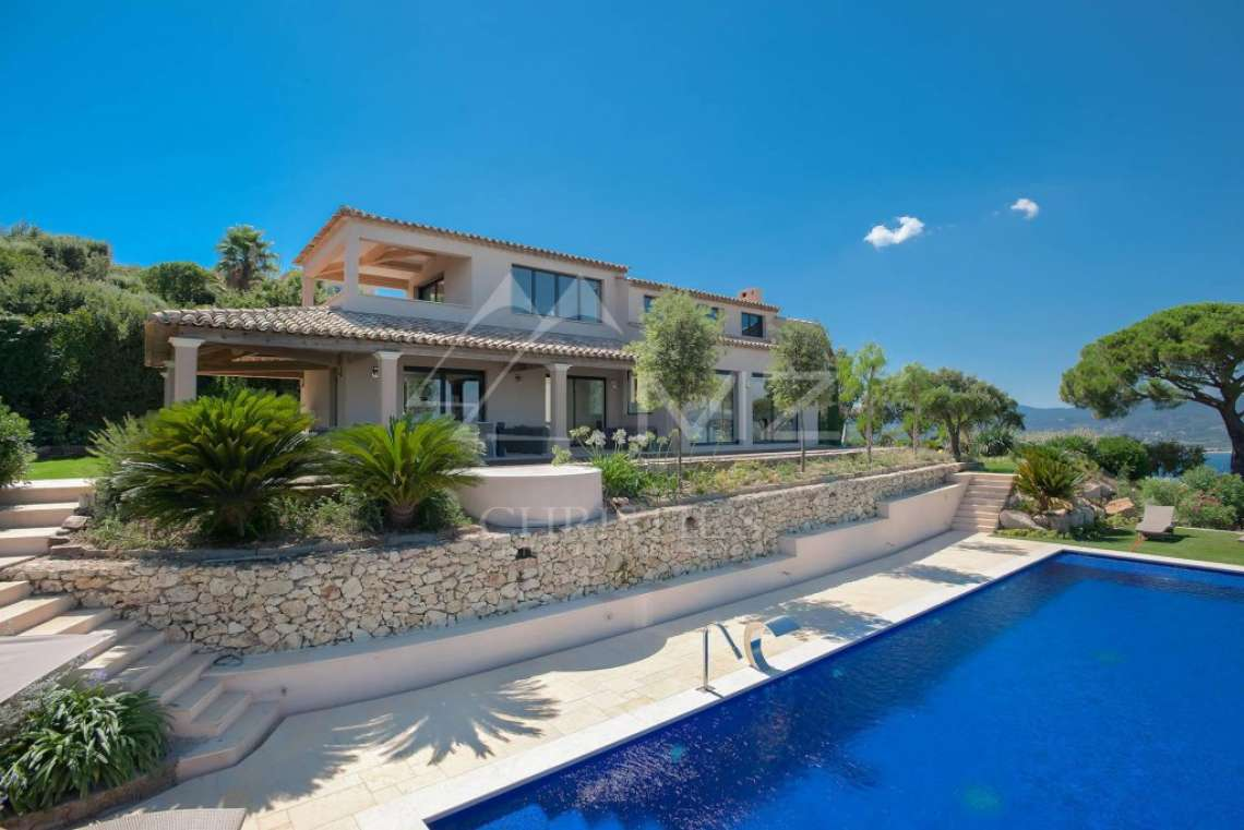 Close to Saint-Tropez - Property with breathtaking sea view - photo2