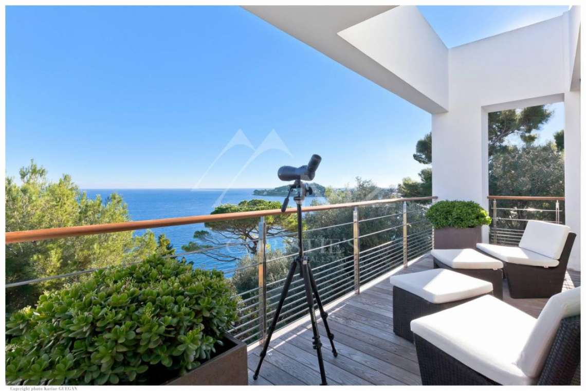Saint-Jean Cap Ferrat - Panoramic sea view modern property - photo4