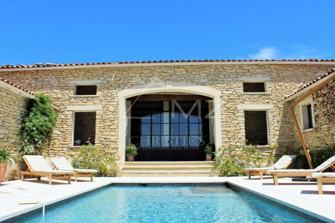 Close to Gordes center - Lovely stone built villa with heated pool - photo1