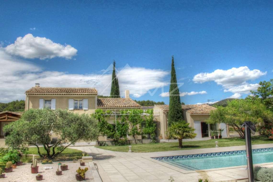 Proche Lourmarin - Magnifique villa - photo1