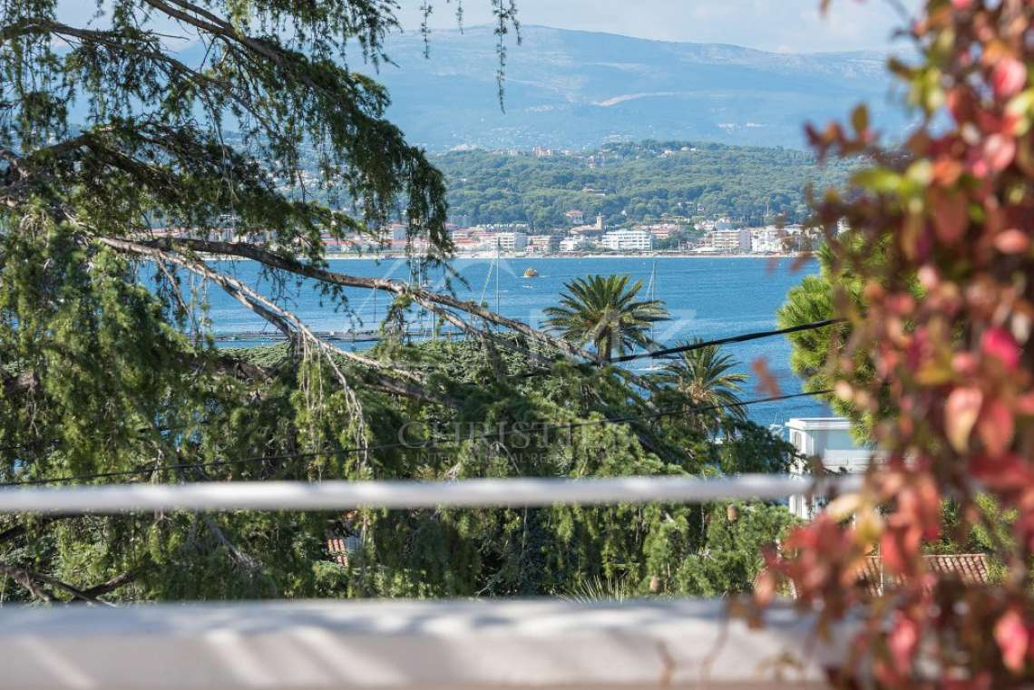 Cap d'Antibes - Remarquable villa avec vue mer - photo17