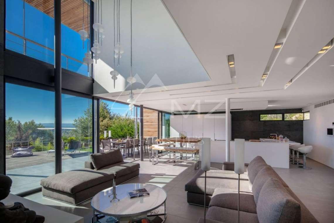 Proche Cannes - Sur les hauteurs - Propriété contemporaine - photo10