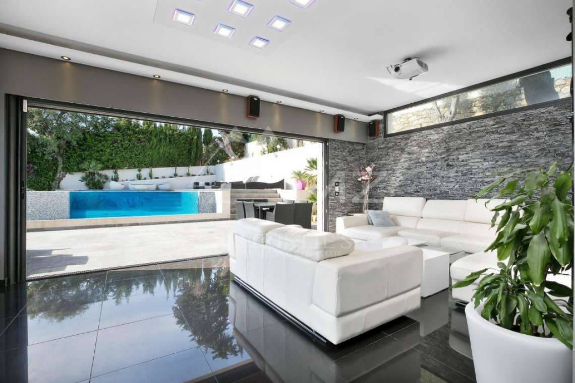 Antibes - Remarkable contemporary villa - photo3