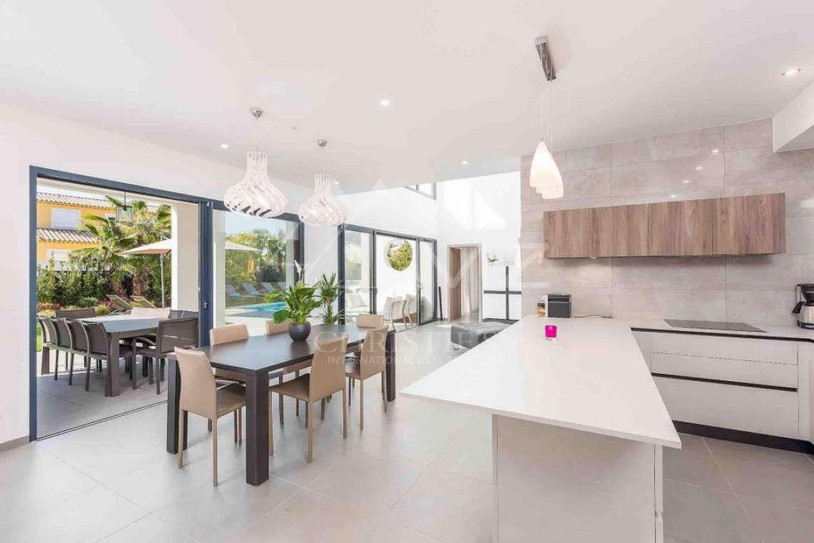 Near Mougins - Brand new contemporary villa in a gated domain - photo5