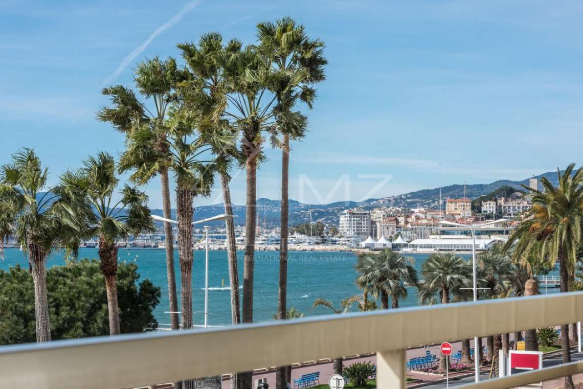 Cannes - Croisette - Apartment with a beautiful sea view - photo4