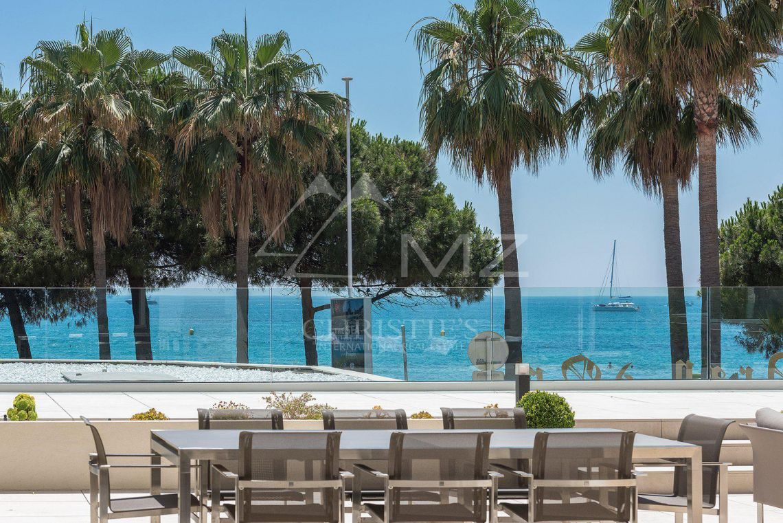 Cannes - Croisette - Villa-Apartment with panoramic sea views - photo2