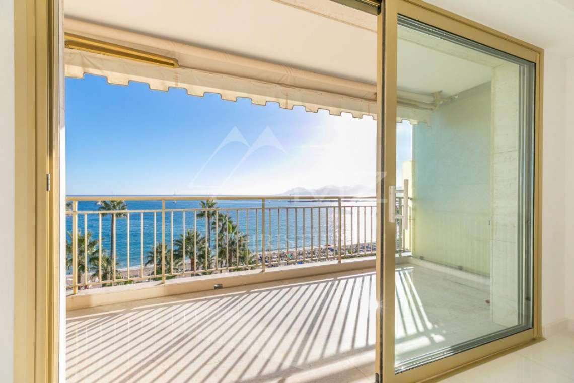 Cannes - Croisette - Apartement with panoramic sea view - photo5