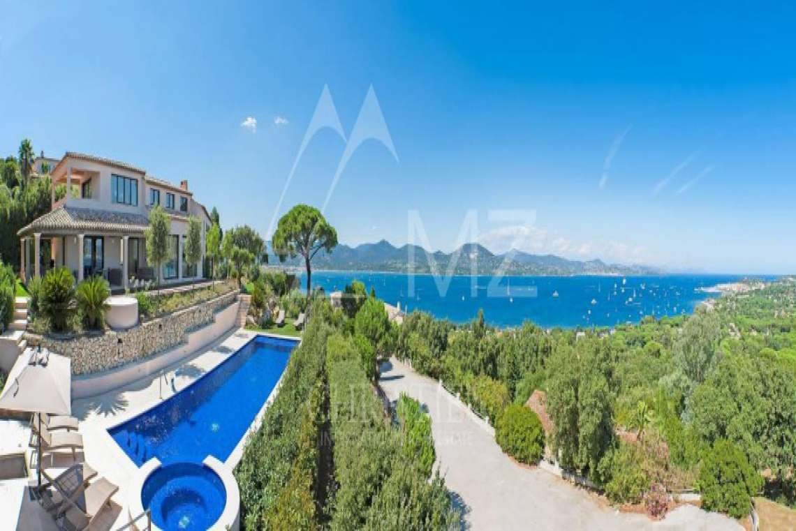 Close to Saint-Tropez - Property with breathtaking sea view - photo4
