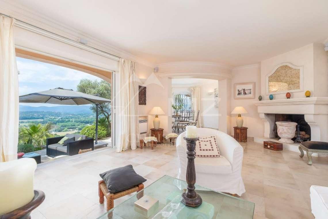Beautiful contemporary villa close to Saint-Tropez - photo8