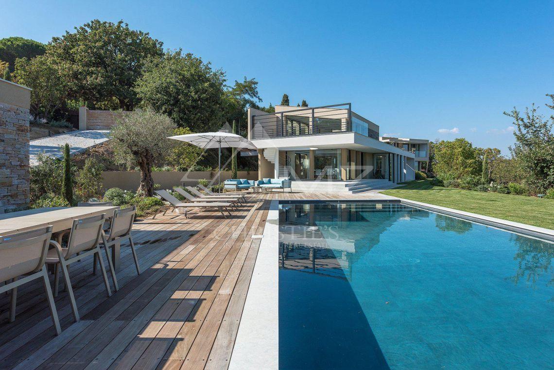 Saint tropez stunning contemporary villa photo1