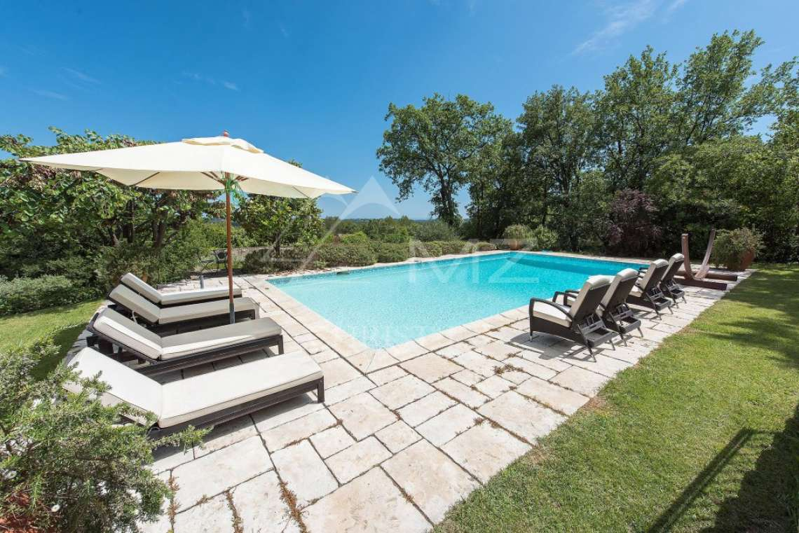 Cannes backcountry - Superbe property in calm environment with pool - photo1