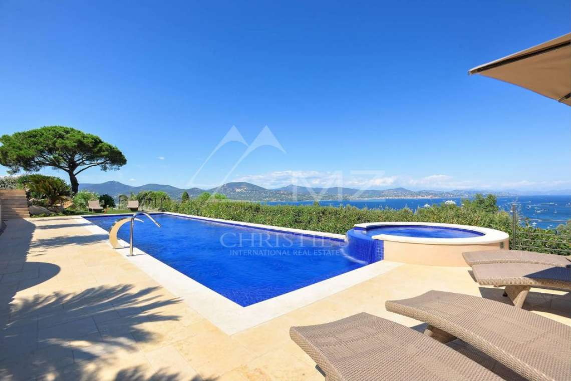 Close to Saint-Tropez - Property with breathtaking sea view - photo5