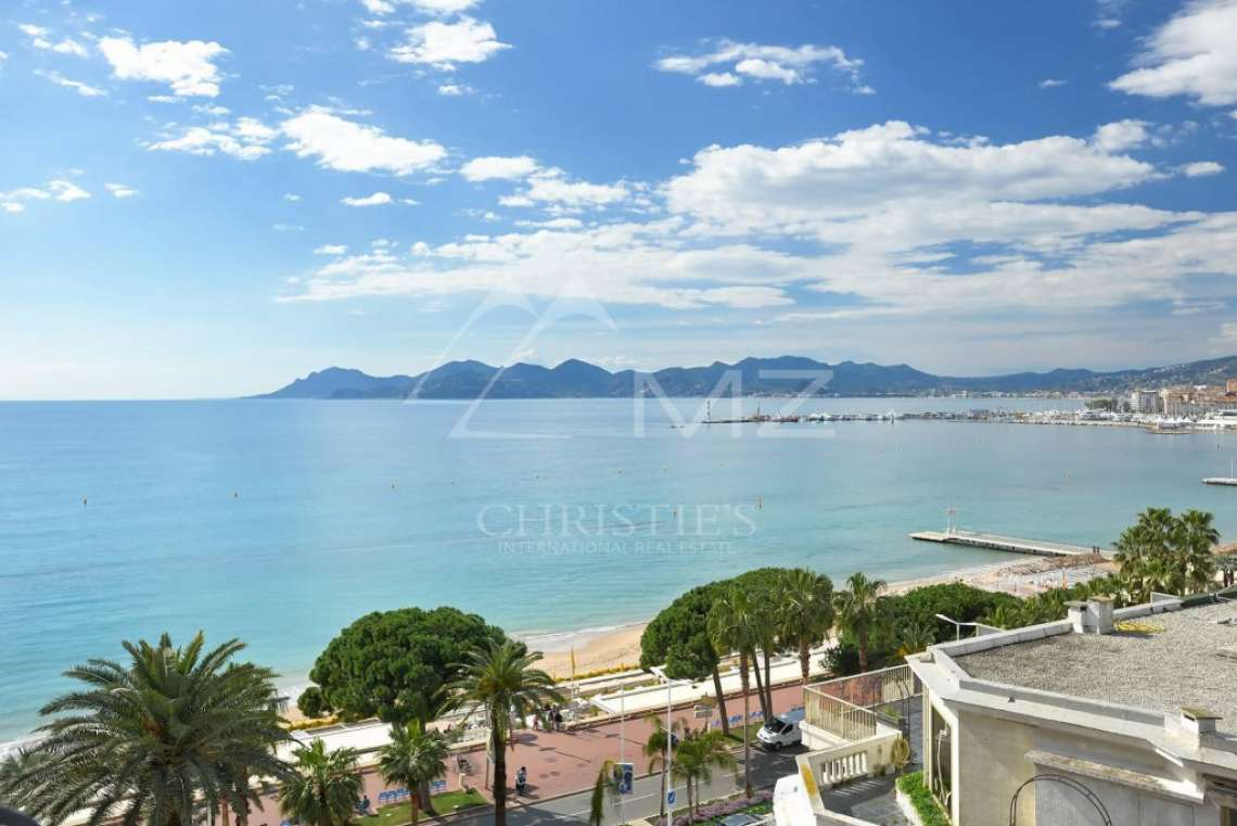 Cannes - Croisette - Apartment with a sea view - photo1