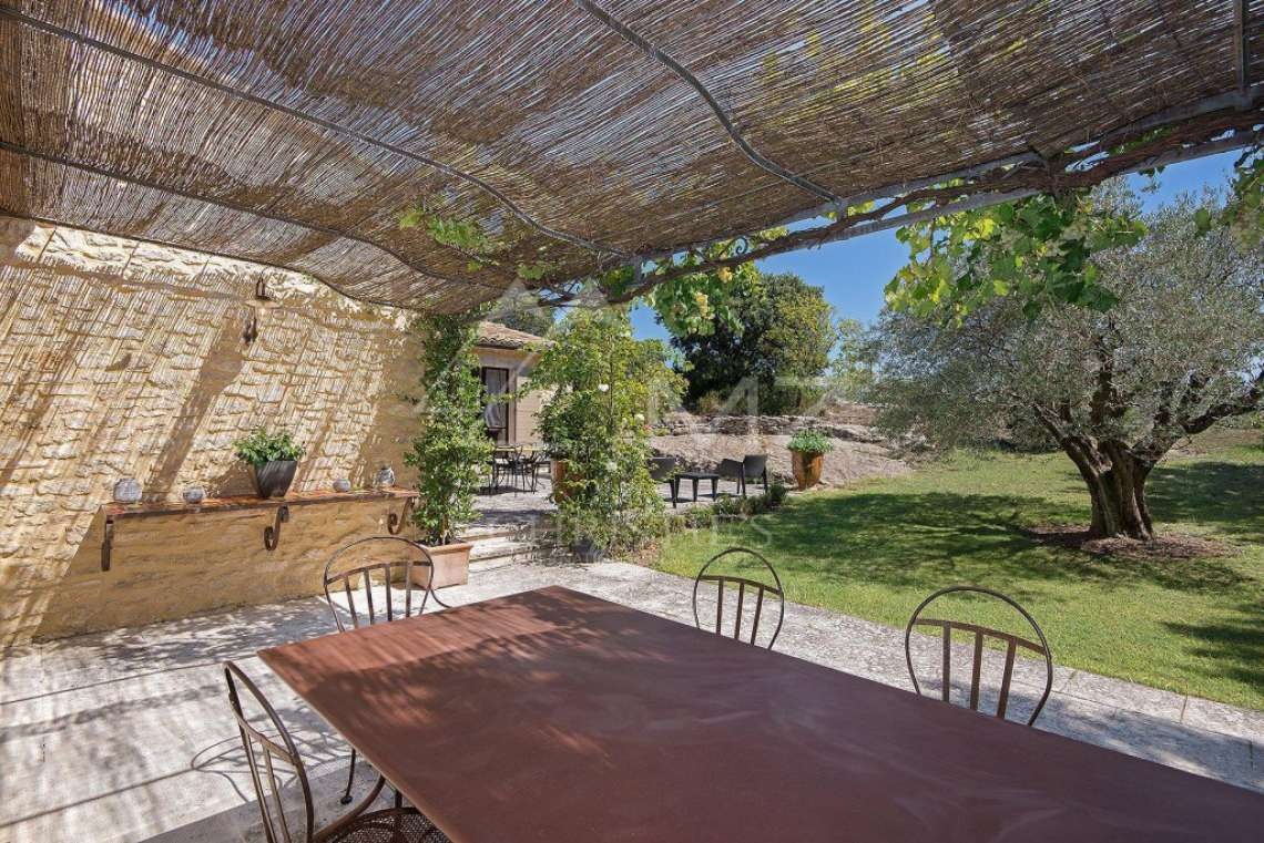 Gordes - Gorgeous stone house with amenities - photo9