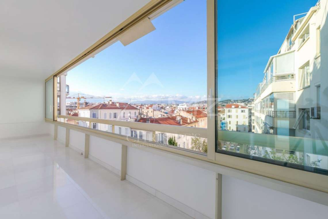 Cannes - Croisette - Apartement with panoramic sea view - photo4