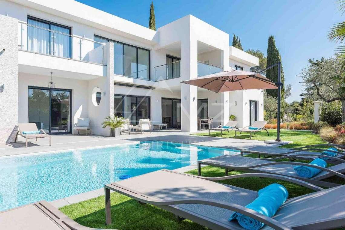 Near Mougins - Brand new contemporary villa in a gated domain - photo11
