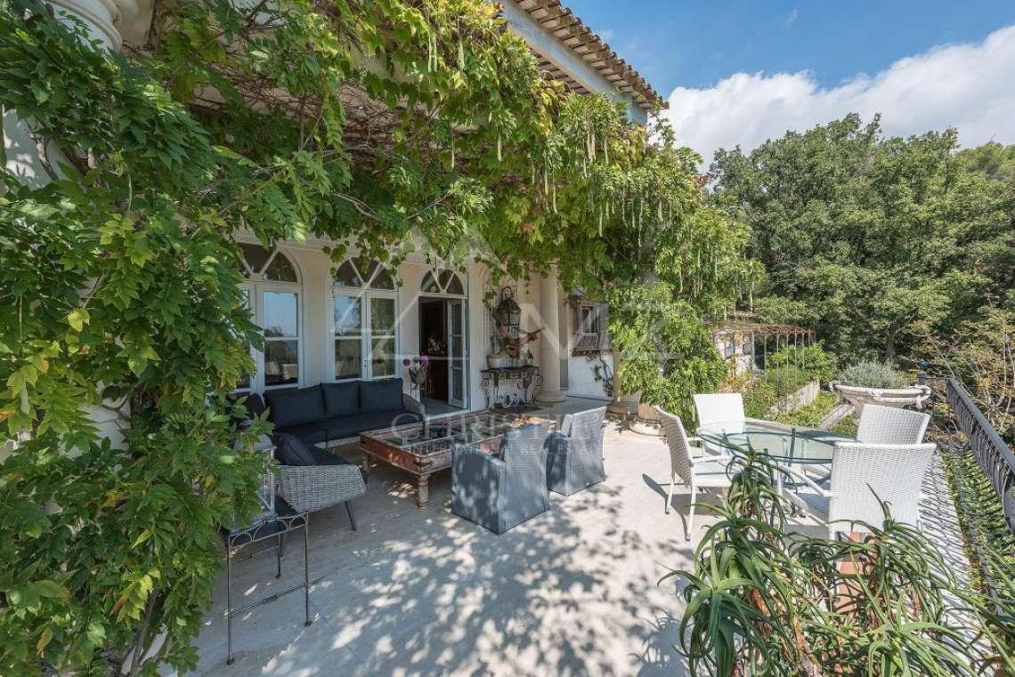 Proche Saint-Paul de Vence  - Ravissante villa de style colonial - photo2