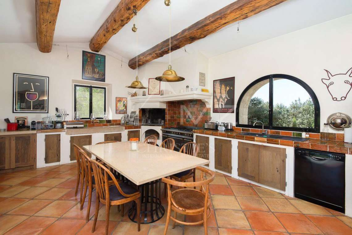 Gordes - Gorgeous stone house with amenities - photo12