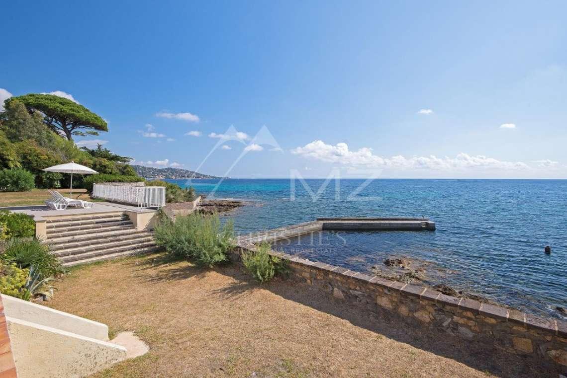 Proche Saint-Tropez - Villa pieds dans l'eau avec ponton - photo4