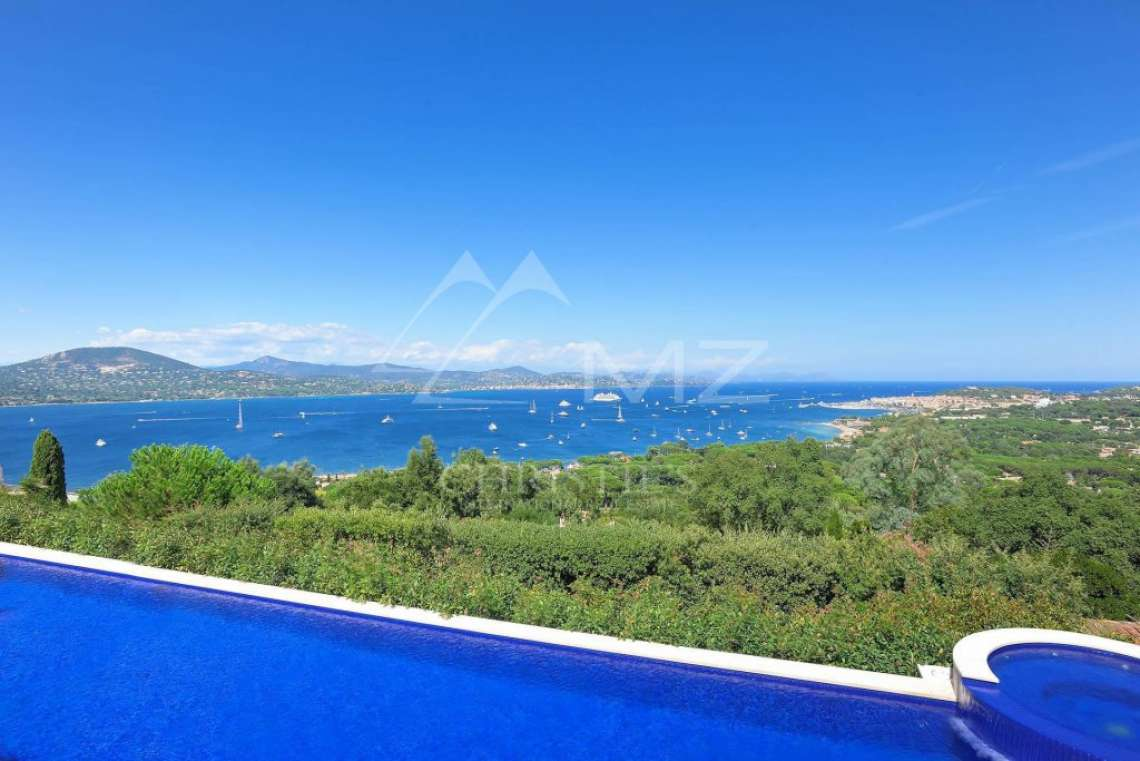Close to Saint-Tropez - Property with breathtaking sea view - photo1