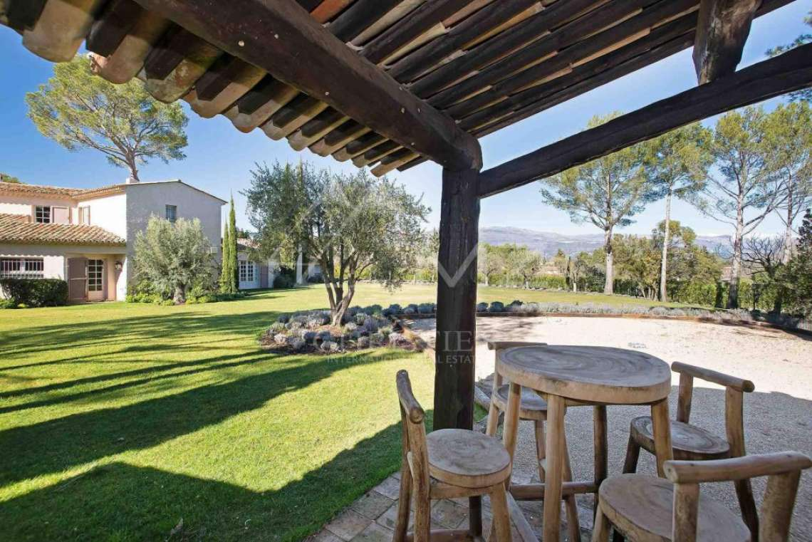 Close to Mougins - Castellaras - Superb villa in exceptional environment - photo5