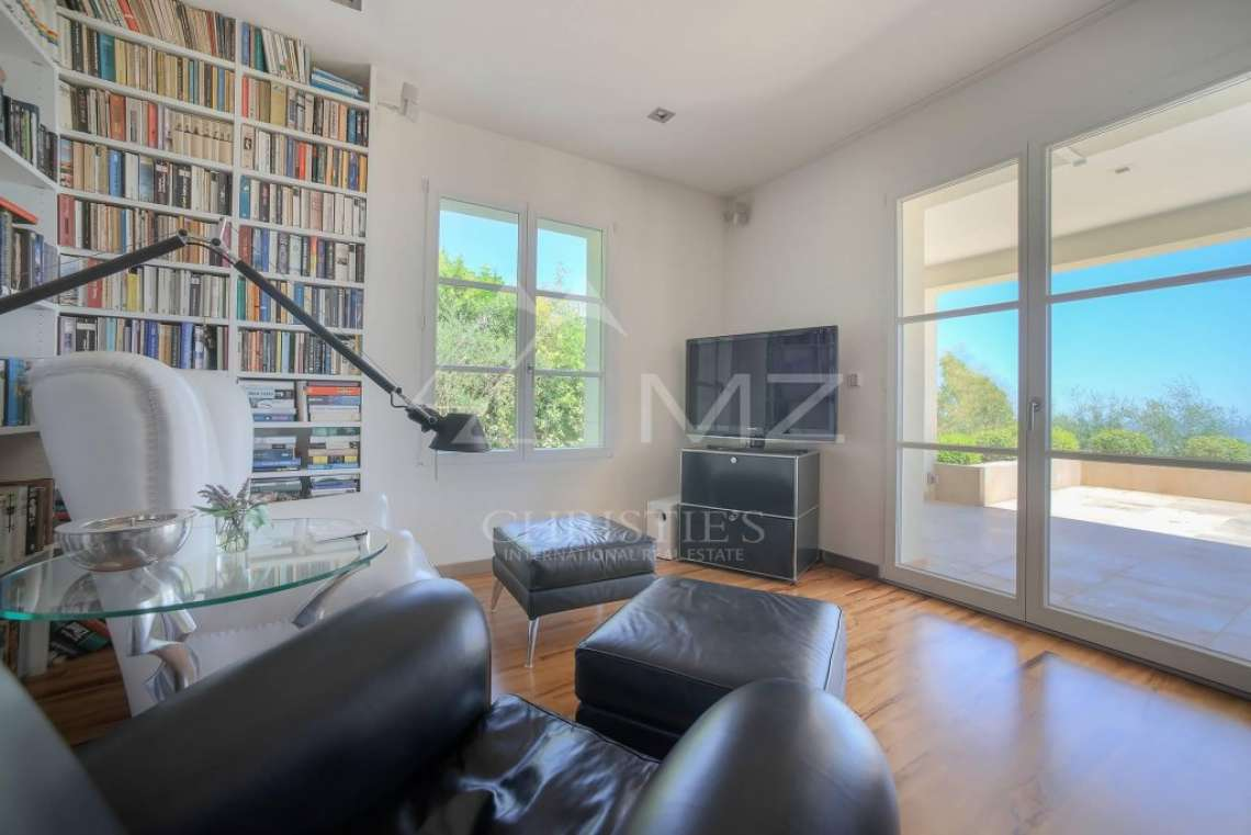 Cannes backcountry - Contemporary designer villa with panoramic sea view - photo16