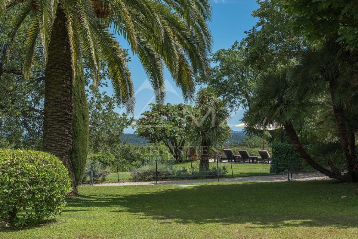 Cannes backcountry - Superbe property in calm environment with pool - photo15