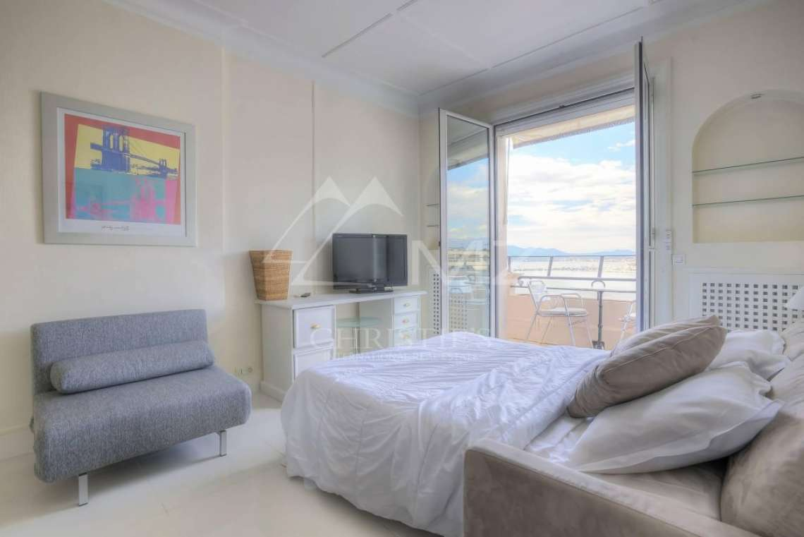 Cannes - Croisette - Apartment with a sea view - photo4