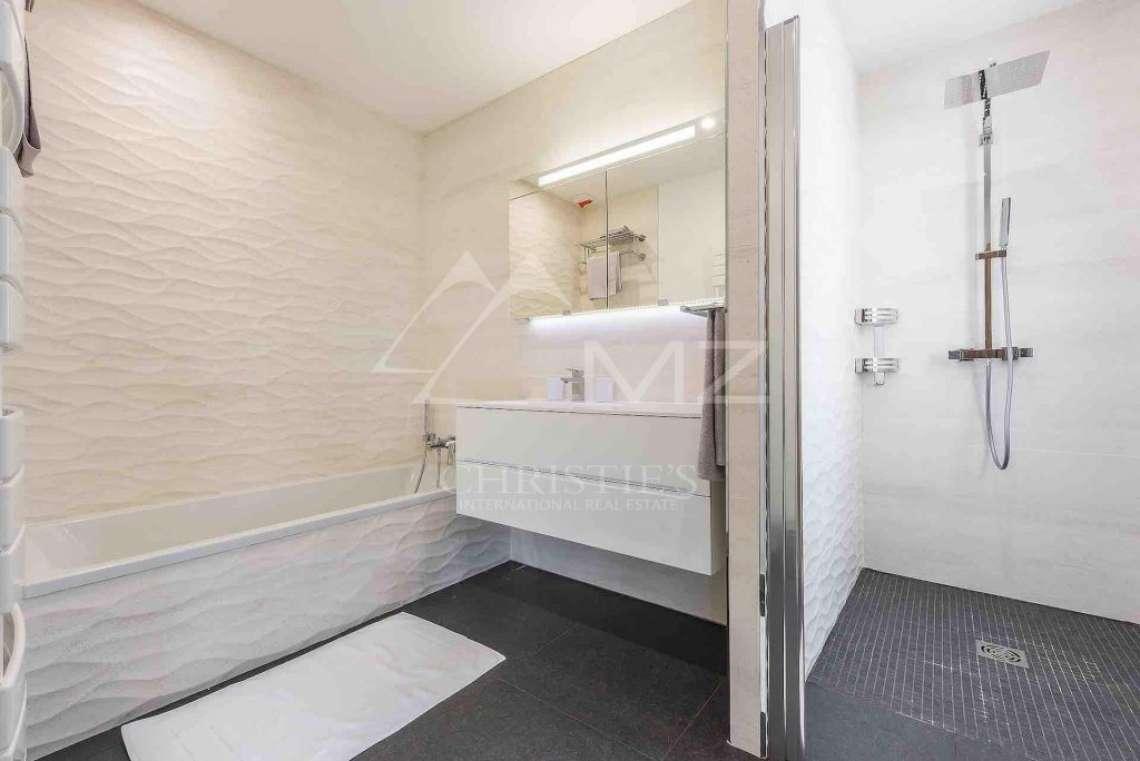 Near Mougins - Brand new contemporary villa in a gated domain - photo9