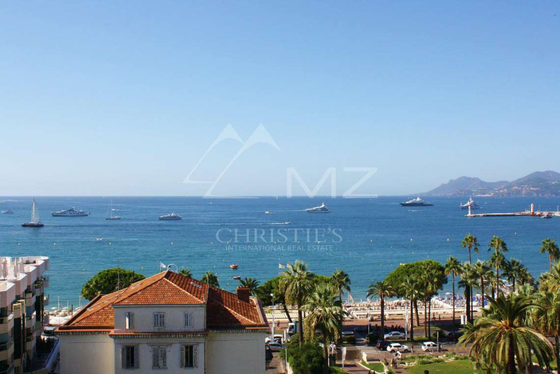 Cannes - Croisette - Panoramic sea view - photo1