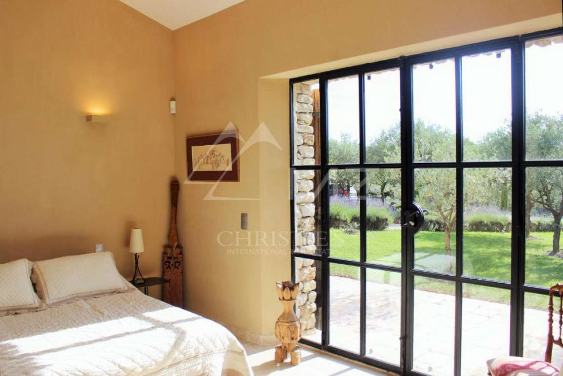 Gordes - Gorgeous stone house with amenities - photo16