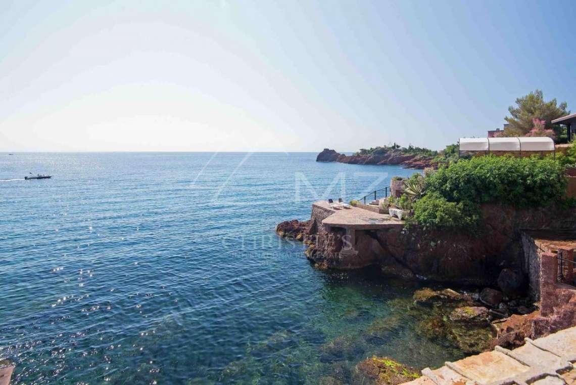 Théoule-sur-Mer - Propriété pieds dans l'eau - photo13
