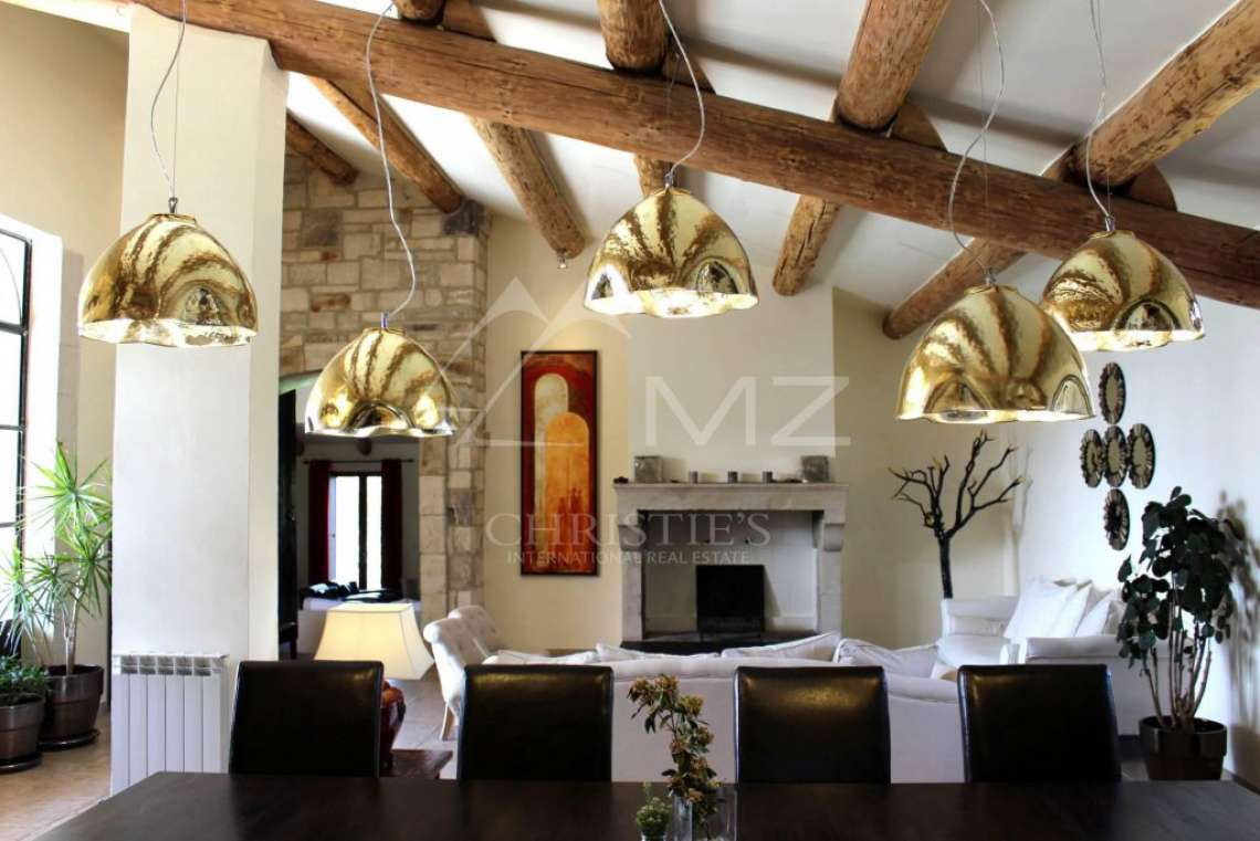 Close to Gordes center - Lovely stone built villa with heated pool - photo5