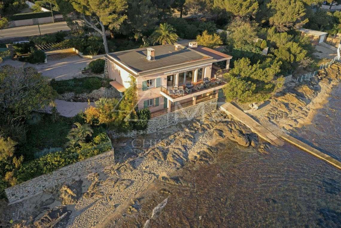 Close to Saint-Tropez - Waterfront property - photo3