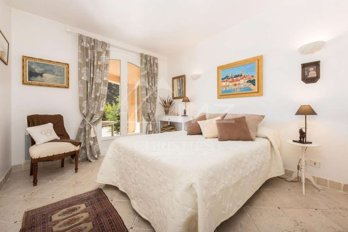 Mougins - Bright provencal villa - Gated estate - photo12