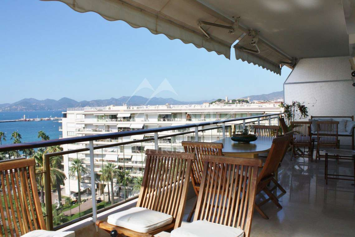 Cannes - Croisette - Panoramic sea view - photo2