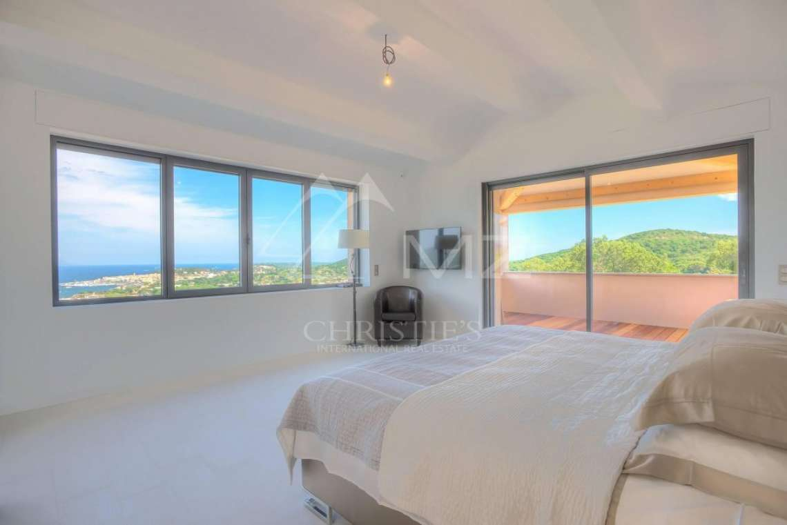 Close to Saint-Tropez - Property with breathtaking sea view - photo12