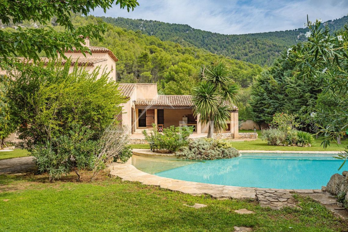 Mas Provencal A Vendre En Camargue proche de cassis - authentique mas provençal