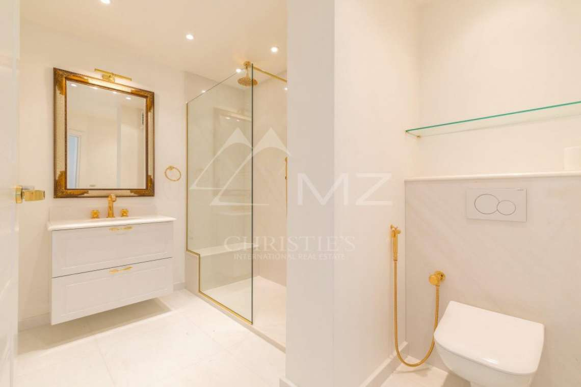 Cannes - Croisette - Apartement with panoramic sea view - photo9