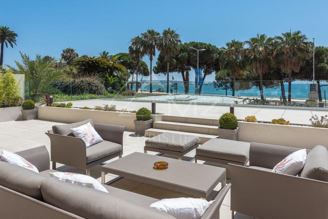 Cannes - Croisette - Villa-Apartment with panoramic sea views - photo6