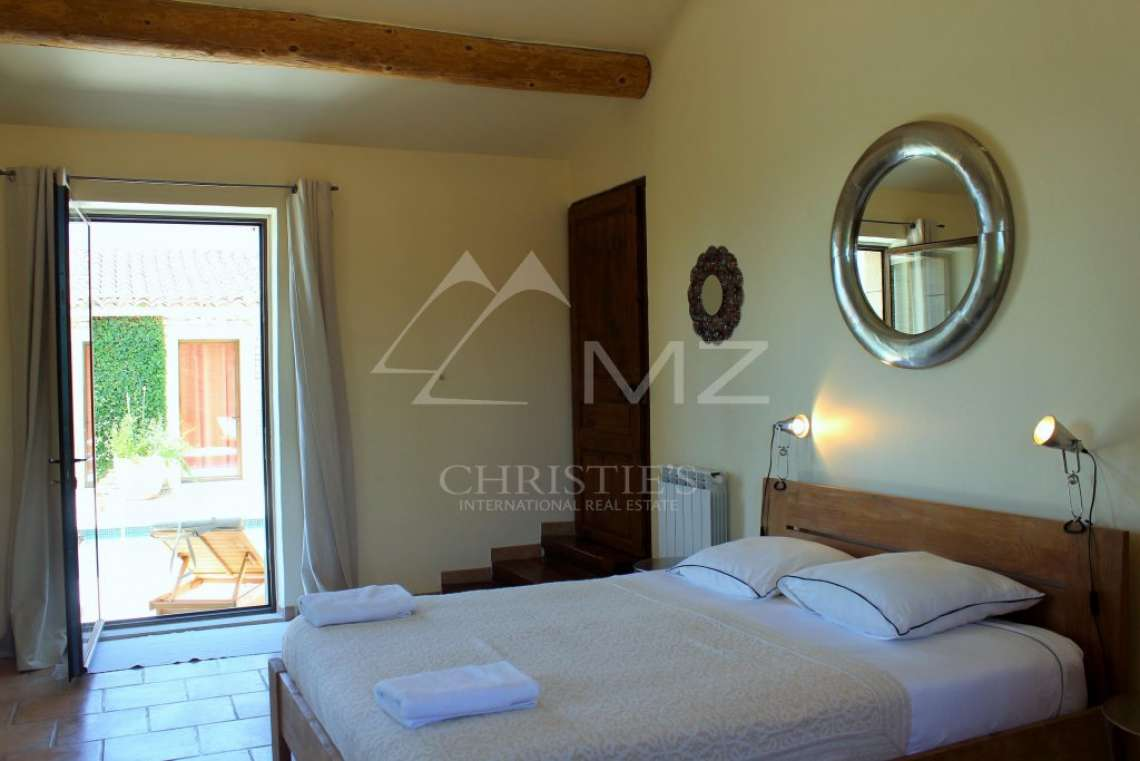 Close to Gordes center - Lovely stone built villa with heated pool - photo8