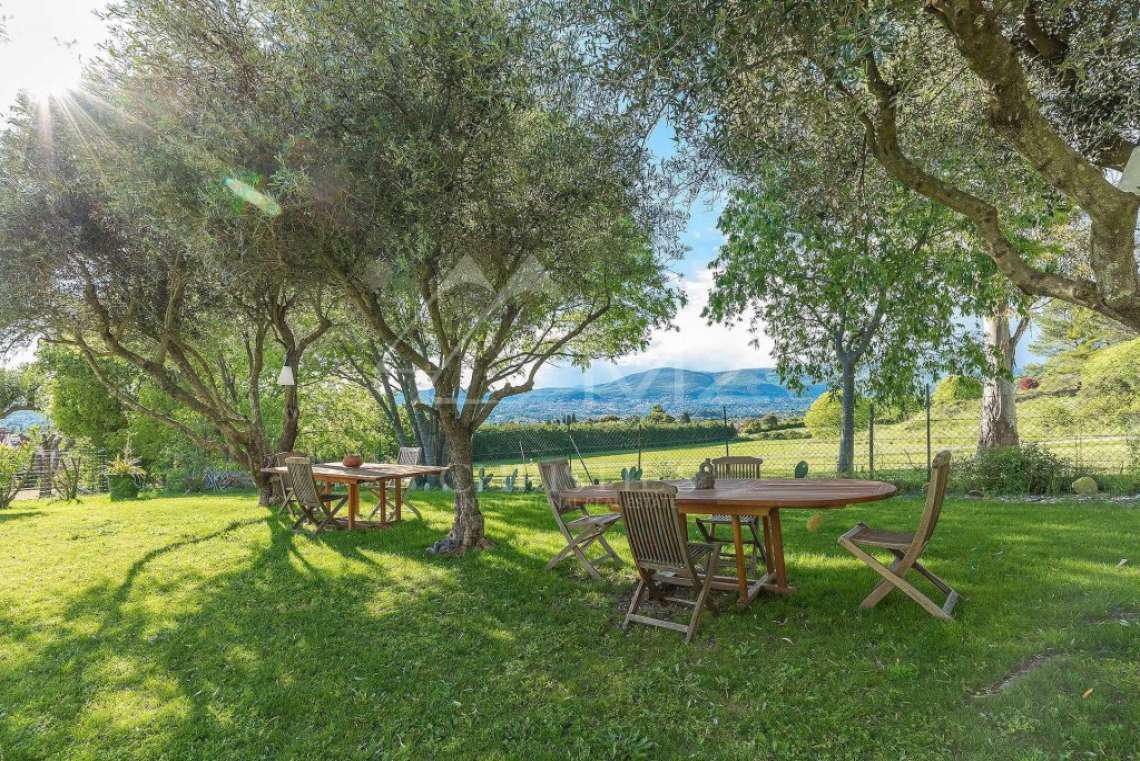 Near Mougins - Brand new contemporary villa with swimming pool - photo4
