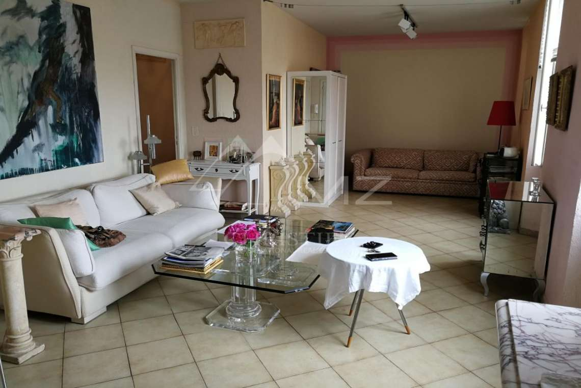 Cannes - Old Town - Appartment with a port and sea view - photo3