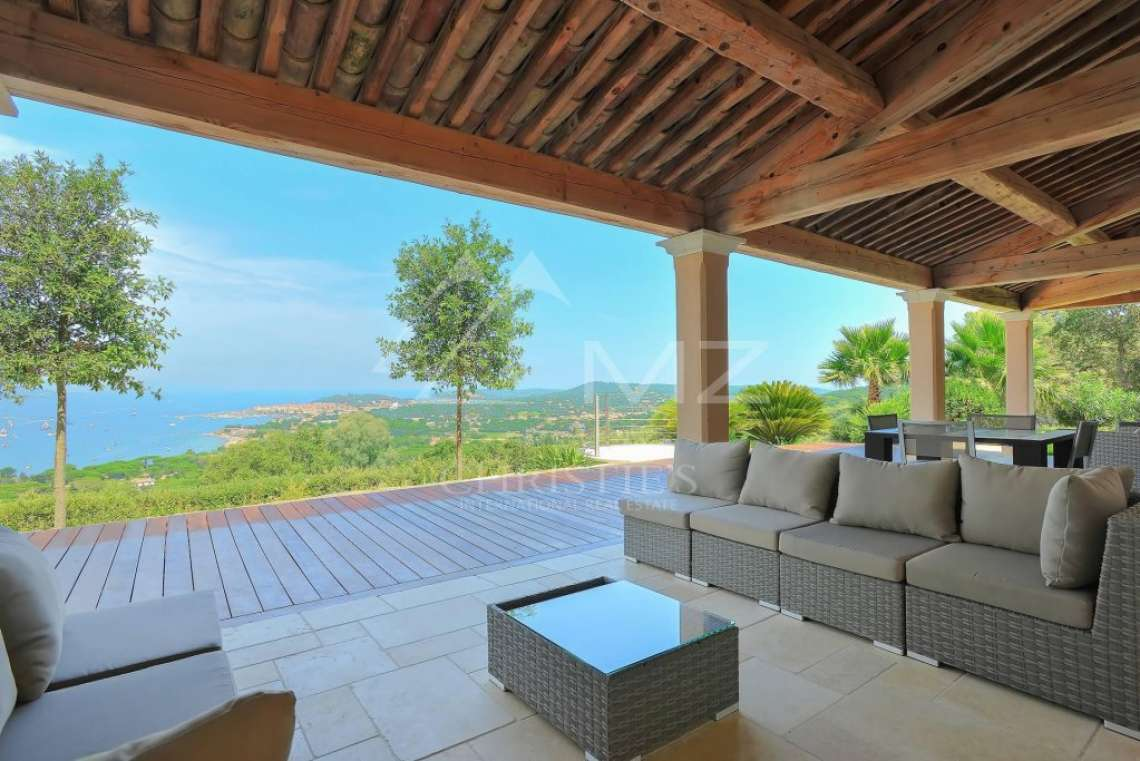 Close to Saint-Tropez - Property with breathtaking sea view - photo7