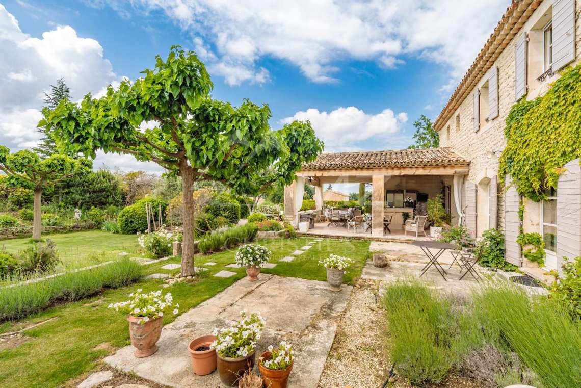 For Sale Gordes Elegant Estate Gordes Luberon Nord
